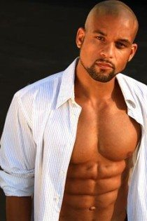 Shaun T Dishes On His Insanity Workout Dvd That S Fit
