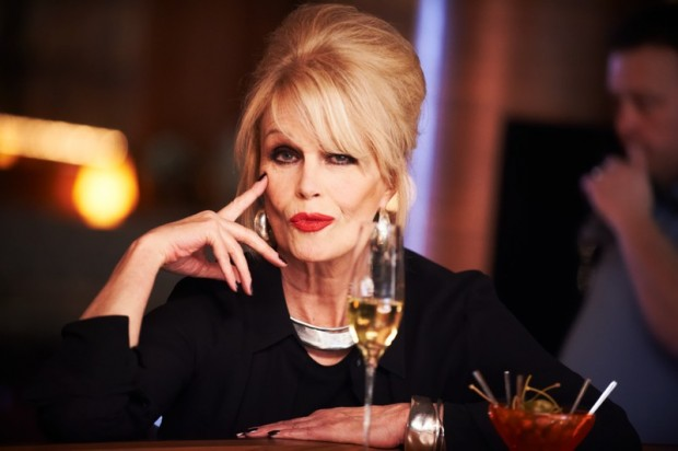 How Ab Fab's Joanna Lumley Stays Patsy Thin - Fit Tip Daily